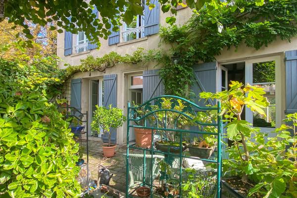 Verneuil-sur-Seine - Maison de village